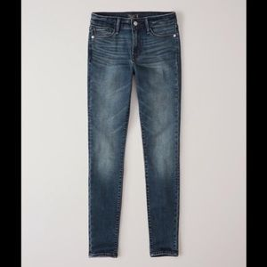 Abercrombie LOW RISE SUPER SKINNY JEANS - size 26S